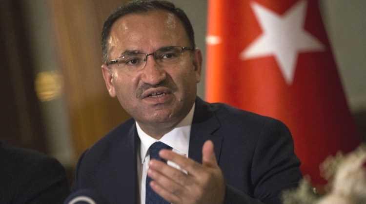 Анкара не собирается высылать российских дипломатов