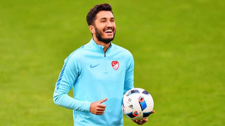 Нури Шахин завершил карьеру в сборной Турции