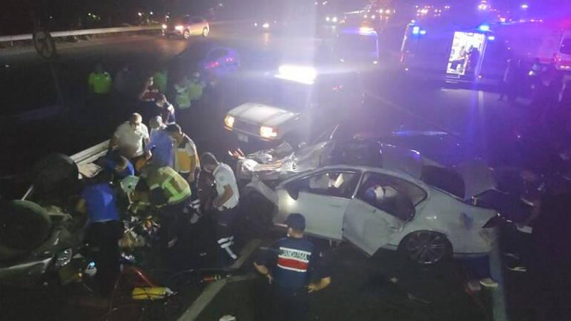ДТП трех авто в Бурсе: 4 погибших, 6 пострадавших