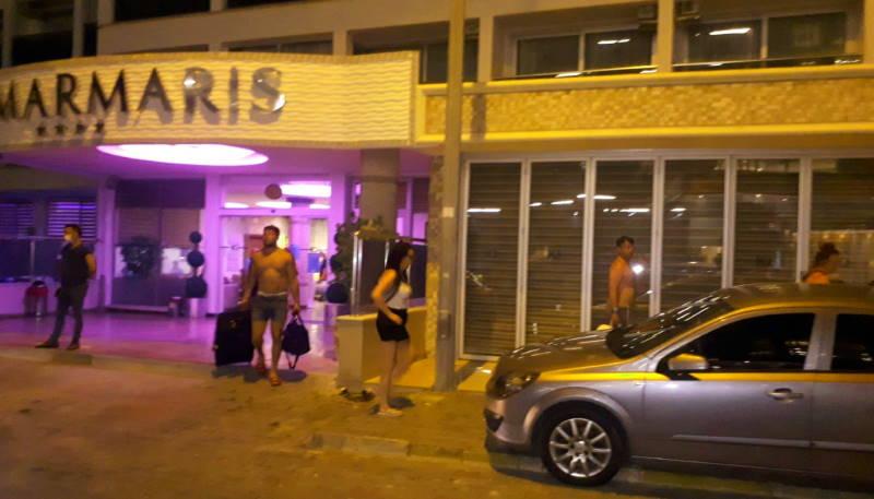 Туристов выселили из отеля посреди ночи