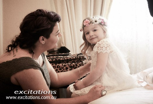 grainny flared photograph of youg flower girl. Wedding photos in Broken Hill by Excitations.
