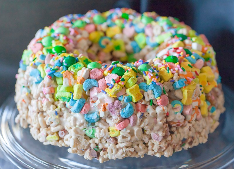 Lucky Charms cake whole