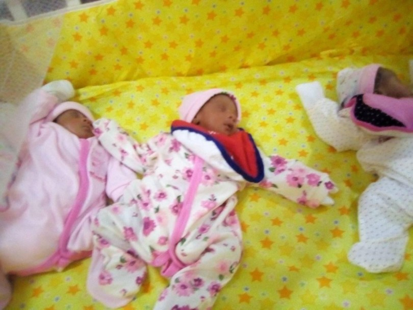 Nigerian woman gives birth to triplets after 11 years of marriage and 6 miscarriages