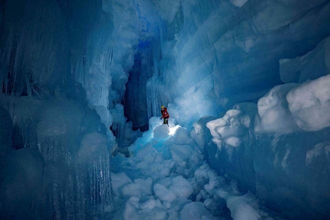 Το σπήλαιο που βÏέθηκε από ΟυκÏανοÏÏ' στην ΑνταÏκτική