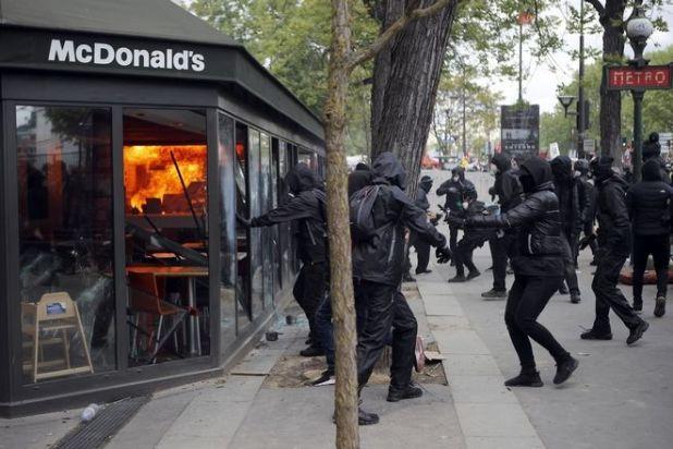 Επεισόδια στο περιθώριο της πορείας για την εργατική Πρωτομαγιά στο Παρίσι