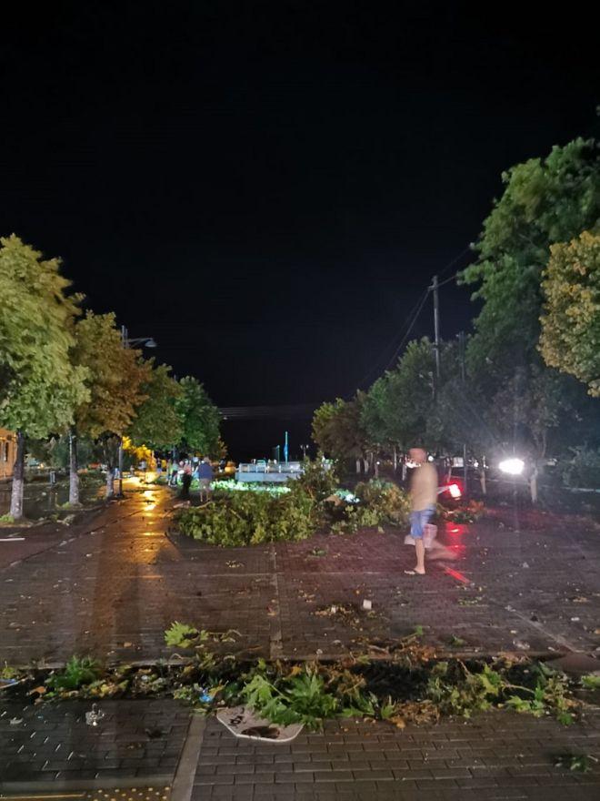 Σφοδρή κακοκαιρία: Μία νεκρή, δύο τραυματίες στη Χαλκιδική