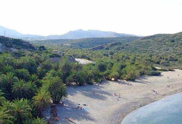 Μαγική Ελλάδα: Το φοινικόδασος των πειρατών με την εξωτική παραλία