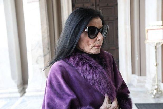 Ζωζώ Σαπουντζάκη στην κηδεία του ηθοποιού Κώστα Βουτσά στην Αθήνα την Παρασκευή 28 Φεβρουαρίου 2020