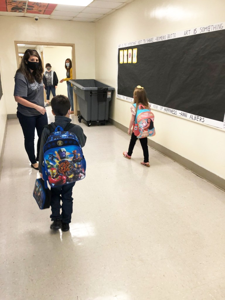 North Hartville Elementary School welcomes students