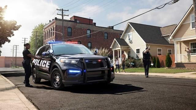 Ford Cop Car boi 640