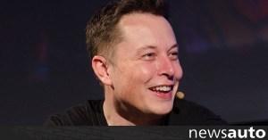 """Apple """"noodles"""" στο Tesla"""