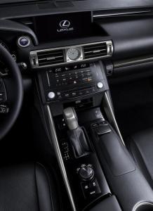 Lexus-12