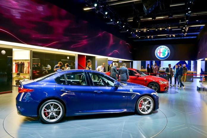 Alfa-Romeo-Giulia-QV-Live-5-696x465