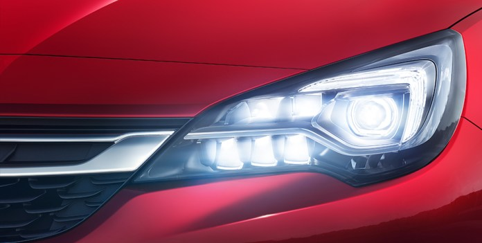 Opel_Astra_2015_Intellilux_944x476
