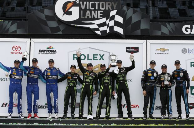 winners_rostrum_daytona_24_hrs_2016