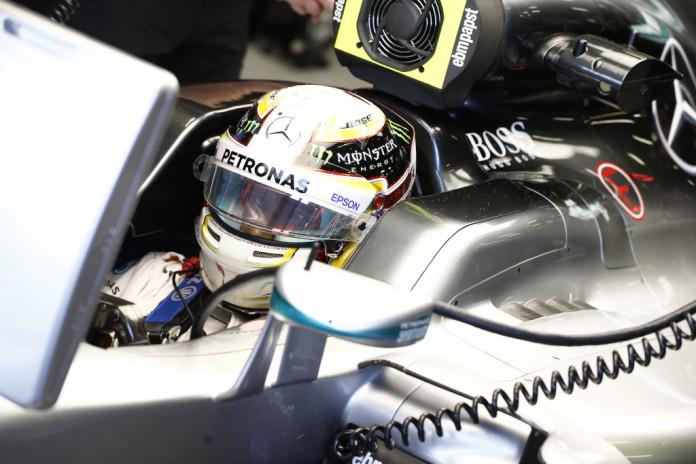 Lewis-Hamilton-7-696x464