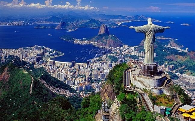 https://i1.wp.com/www.newsbeast.gr/files/1/2014/06/24/travel/the-giant-christ.jpg?w=995