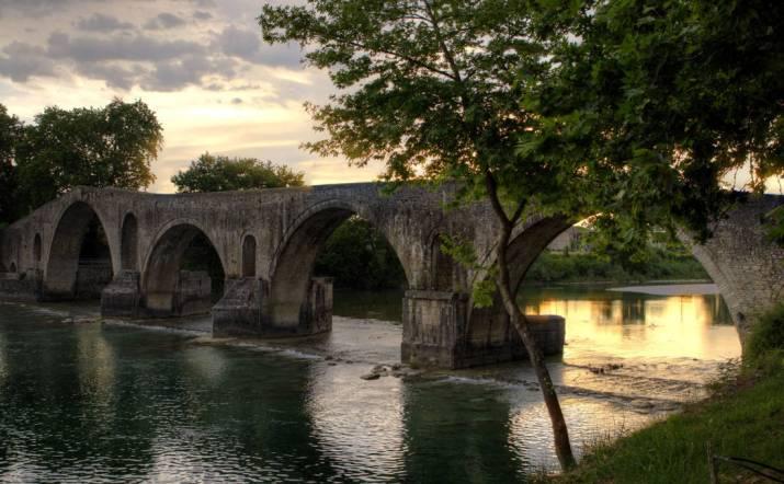 Άραχθος, ο ποταμός με τα ξακουστά γεφύρια – Newsbeast