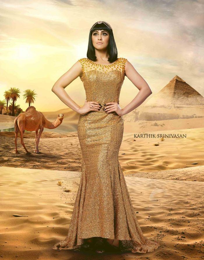 Regina Cassandra as Queen Cleopatra