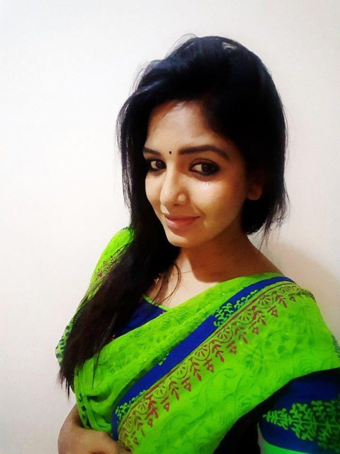 Pavani Reddy Images