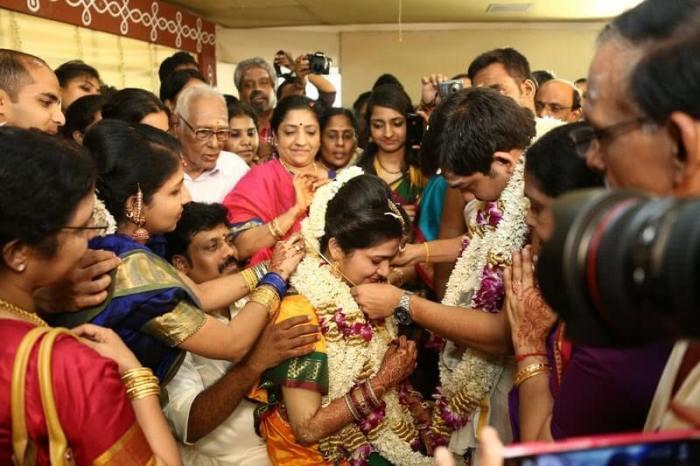 Dhivyadharshini (DD) Images