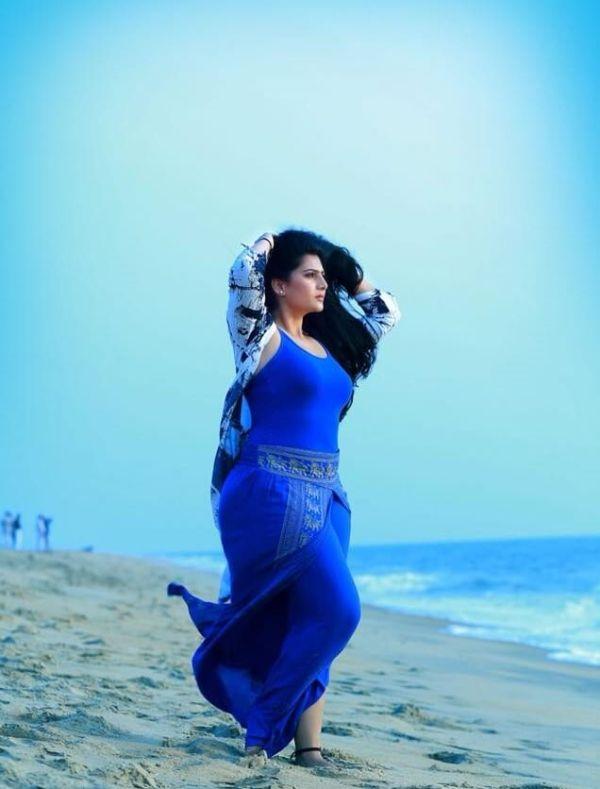 Neha Saxena Images | Neha Saxena Bigg Boss Malayalam