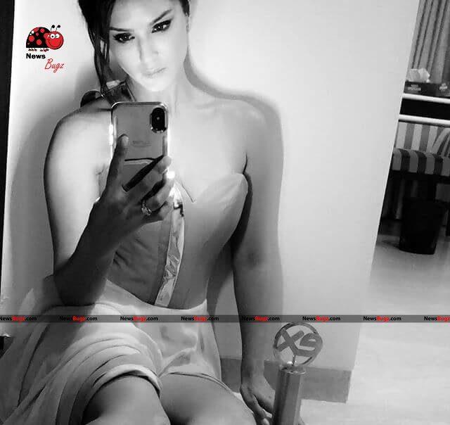 Sunny Leone Images