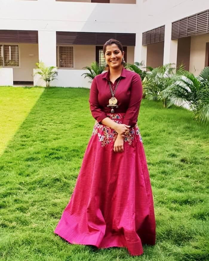 Varalaxmi Sarathkumar Images