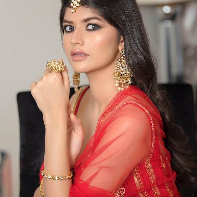 Anjini Dhawan Images