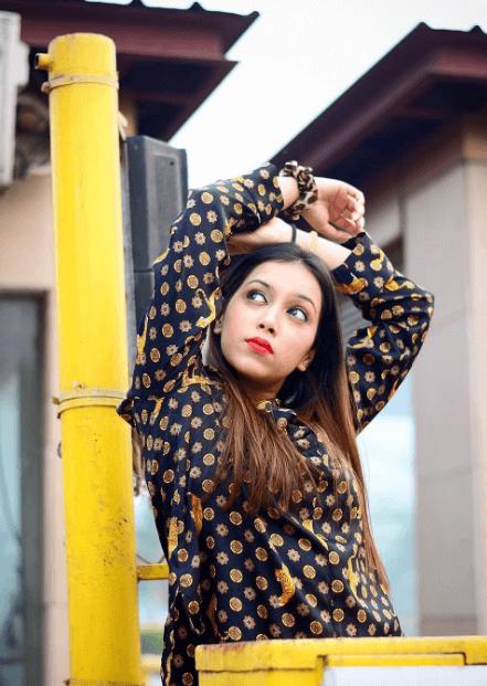 Pratishtha Sharma Youtuber