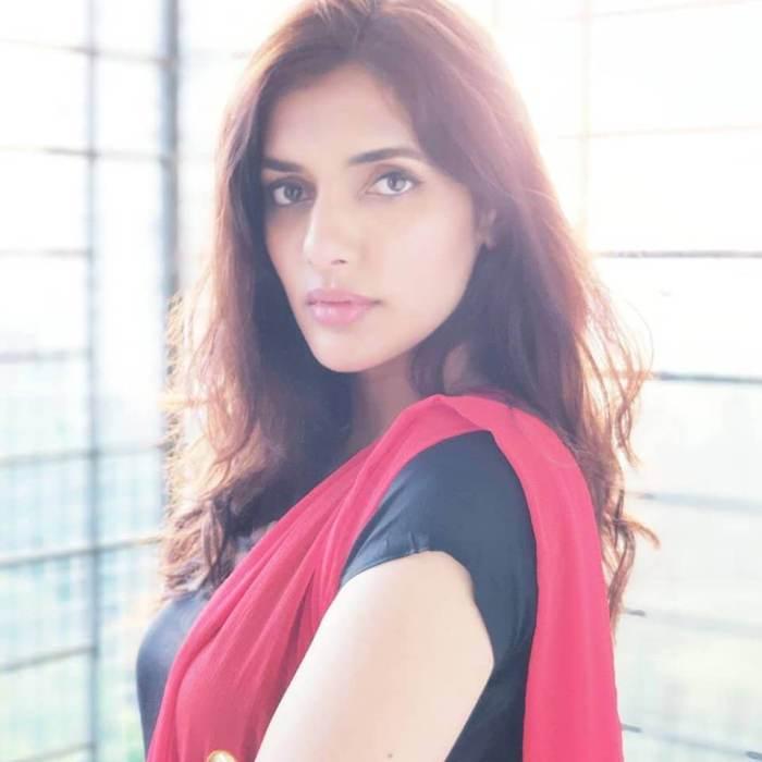 Natasha Singh Images