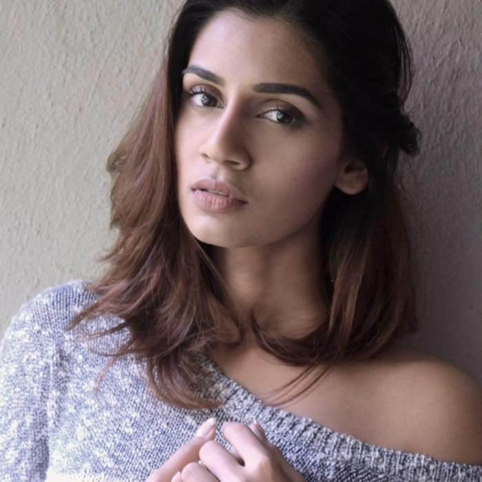 Sanjana Ganesan Images