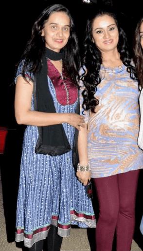 Shivangi Kolhapure Sister Padmini Kolhapure