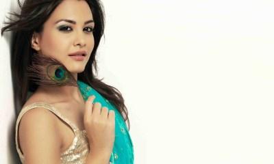 Nazia Hassain Images