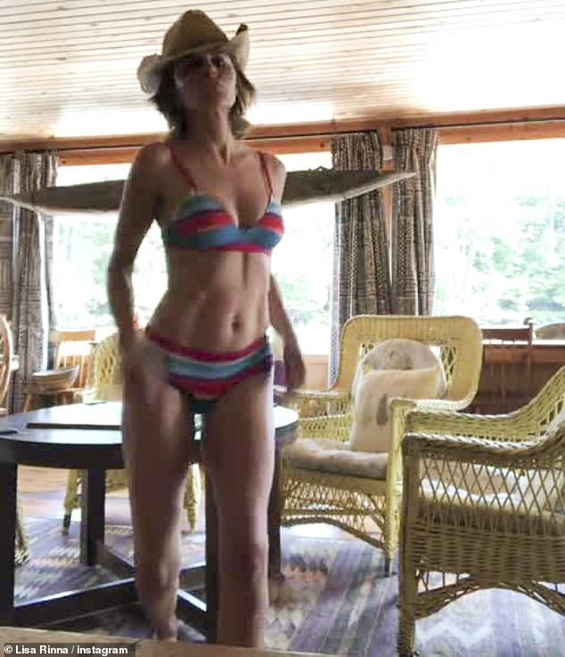 in a rinna bikini Lisa raibow