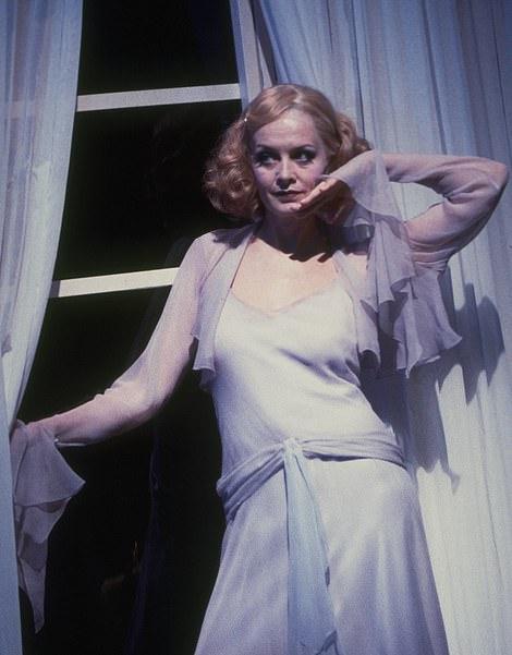Twiggy played Elvira in Blithe Spirit in 1997