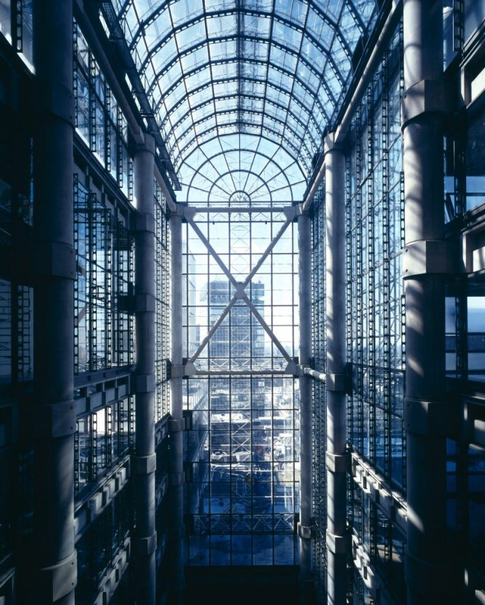 The Lloyd's building in London by Richard Rogers and Partners (now Rogers Stirk Harbour + Partners)