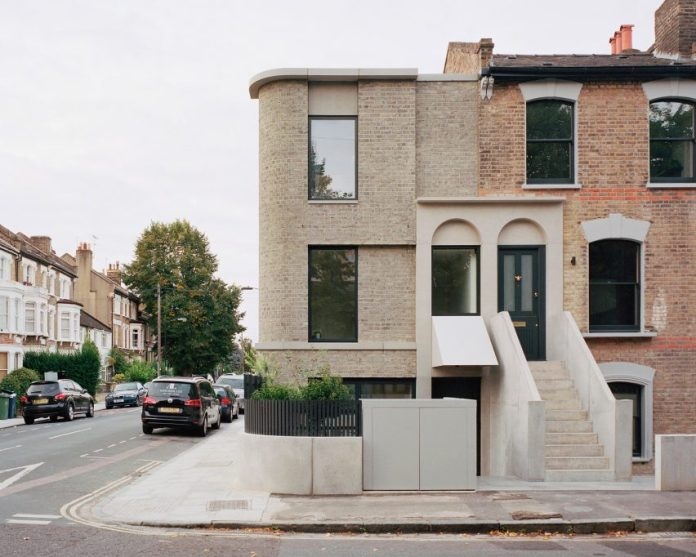 Corner House by 31/44 Architects entrance