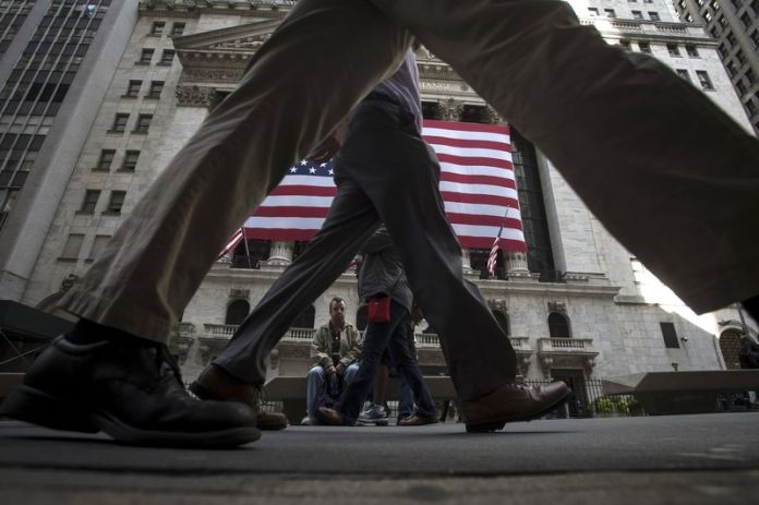© Reuters.  U.S. shares lower at close of trade; Dow Jones Industrial Average down 1.84%