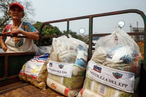 Relatives of Óscar Denis distribute food to rural communities as demanded by his kidnappers.
