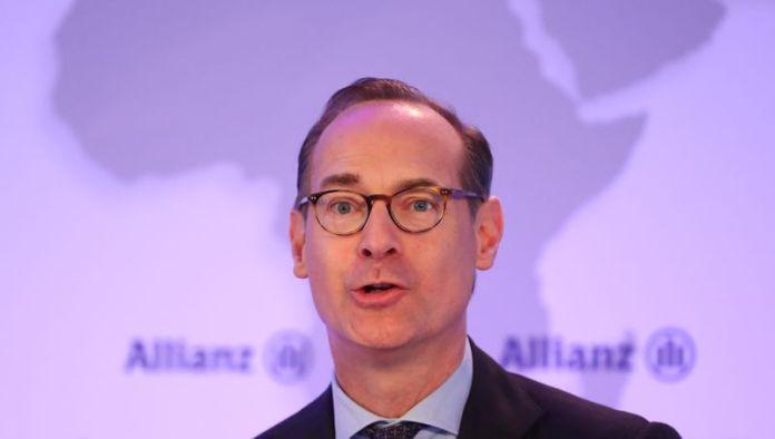 © Reuters. Baete of Allianz SE attends the company's annual news conference in Munich