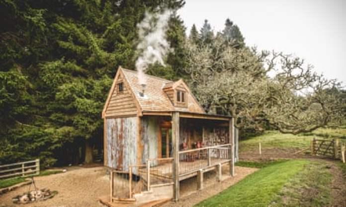 Rowan hut Hesleydale1