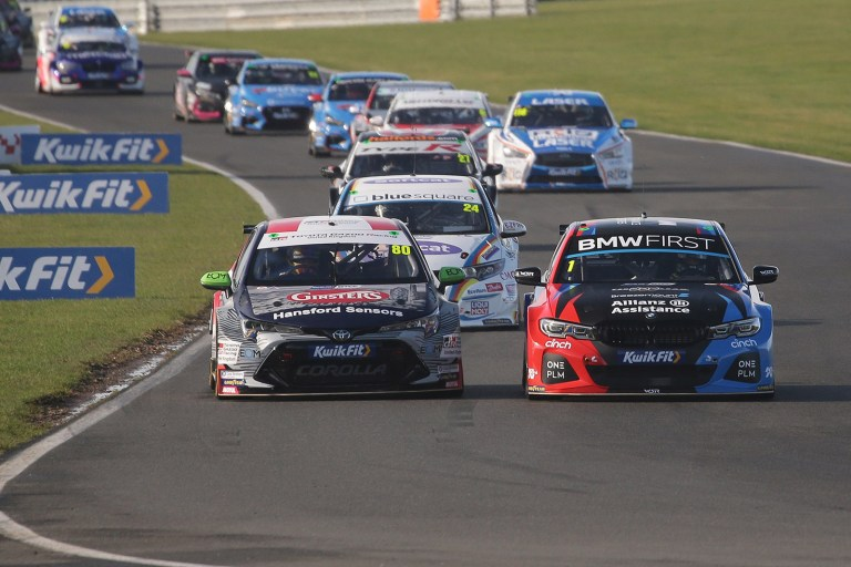 BTCC 2020: Turkington regains championship lead with double win