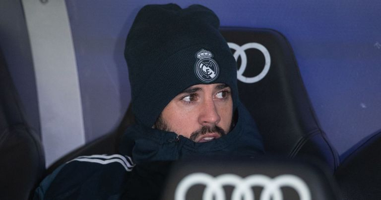 Real Madrid's Isco slams Zinedine Zidane amid links with Premier League transfer