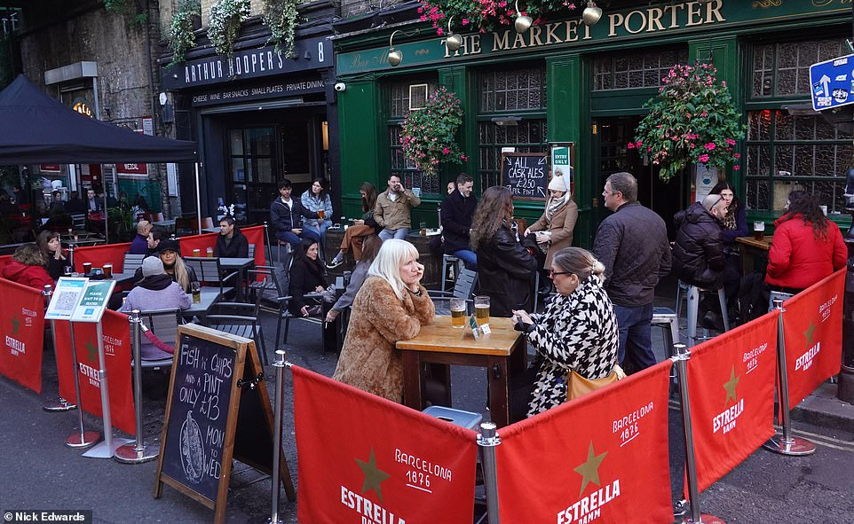 Ahead of pubs closing this evening, people made sure they booked a table at bars in London