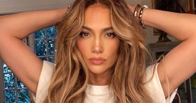 The hairbrush J-Lo swears by for silky-smooth hair is on sale with 15% off on Amazon right now