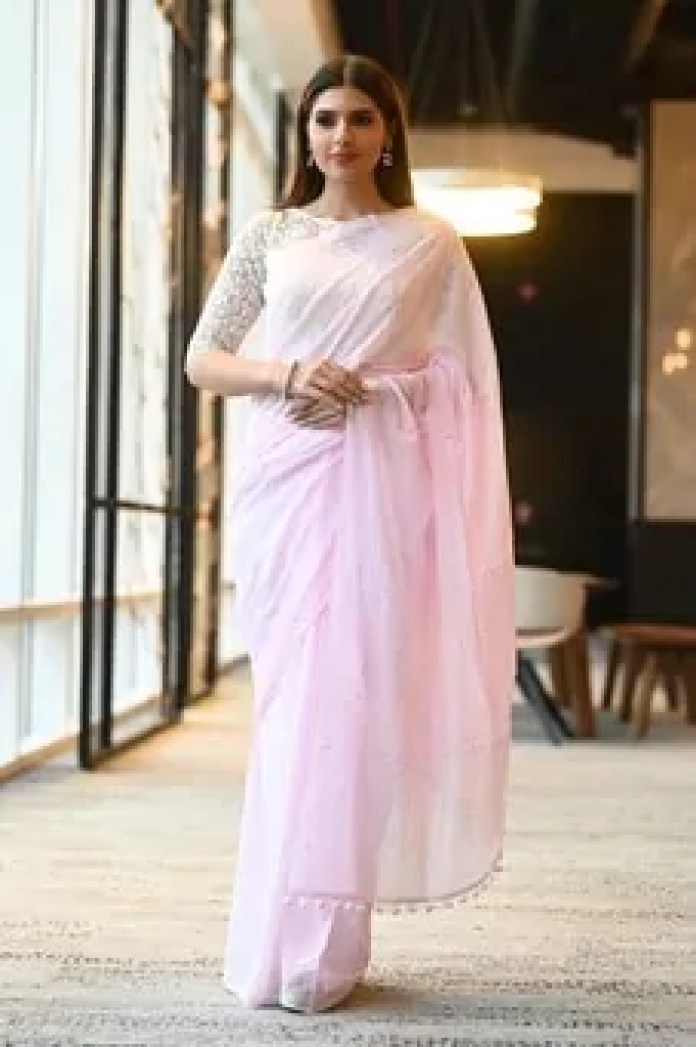 Khadi Saree – Fashion Revolutionized with Trendy Styles