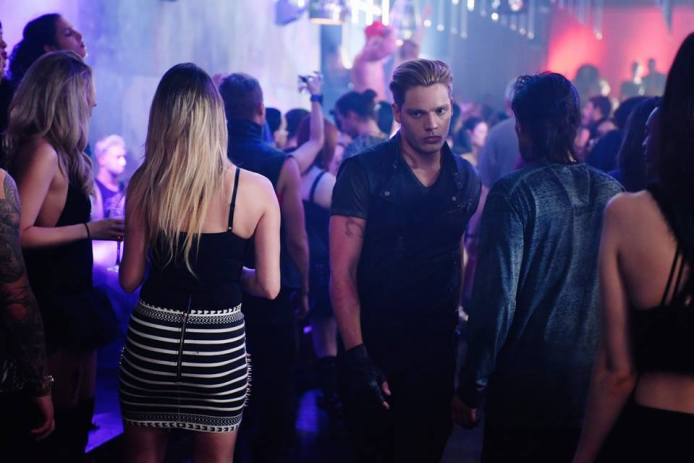 shadowhunters-1x01-20