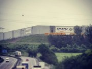 Ein Amazon Lager in Bad Hersfeld (Bild: BlueIceProduktion)