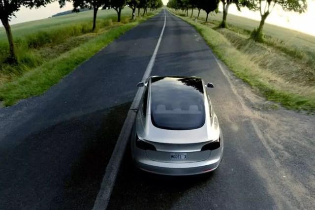 Tesla Model 3 (Panoramadach) - Bild: Tesla